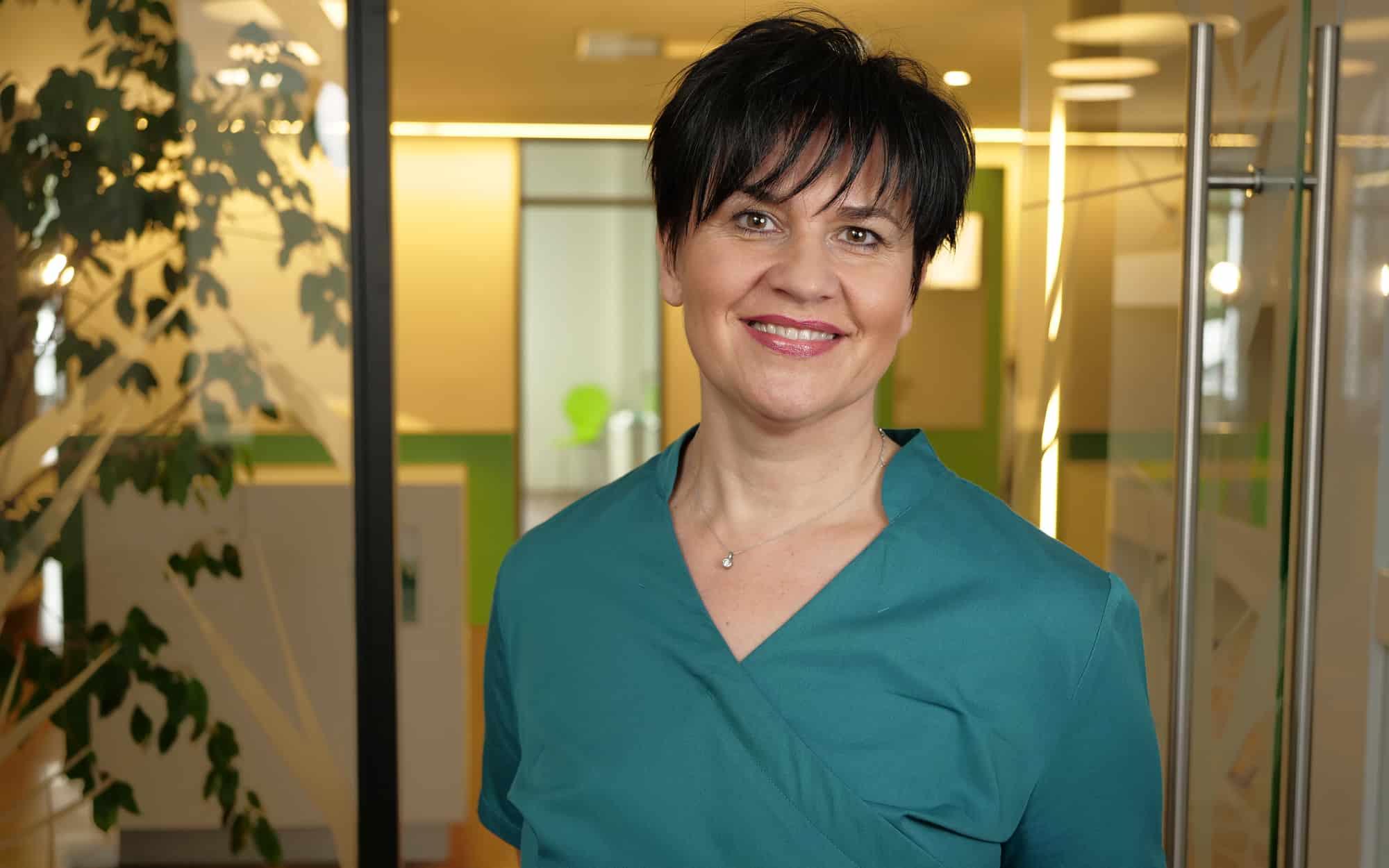 Ihr Prophylaxeteam - Drazana Blazevic - Prophylaxeassistentin in der Zahnarztpraxis Dr. Wolfgang Gottwald in Koblenz am Hauptbahnhof