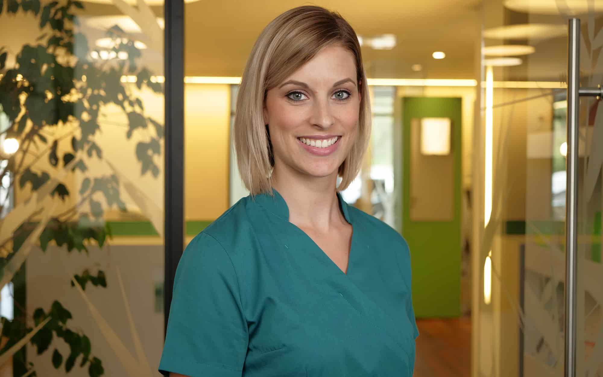 Nicole Rittel - Zahnmedizinische Fachangestellte und Patientenberaterin in der Zahnarztpraxis Dr. Wolfgang Gottwald in Koblenz